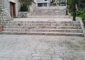 Injoranca nuk kursen as Sarandën, Bashkia prish shkallët karakteristike