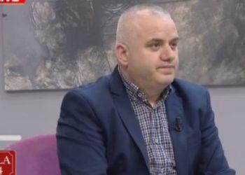 Artan Hoxha: Jetoj në 56 metra katror, gazetarët në Shqipëri janë më të pasurit se ata në Botë