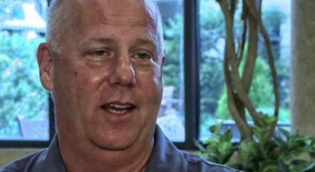 """""""Sulmet e 11 shtatorit i bëri vet SHBA"""", zhduket ish-piloti me gjithë familjen, pasi botoi librin"""