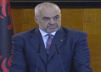 """Fillon """"Pranvera Kuksiane"""", qytetarët i vërsulen Ramës: Meqë the se popullit s'i ngrihej, zamet e ke t'ja ulësh…"""