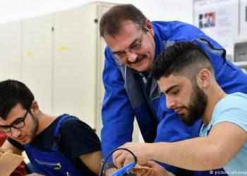 Gjermani, hapen vende pune në nivel rekord, 60% më shumë refugjatë të punësuar