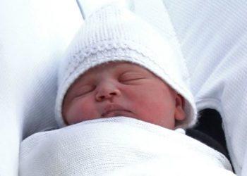 Familja mbretërore tregon në Twitter emrin e Princit të ri të Britanisë