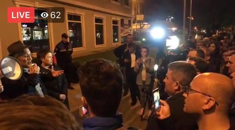Me dhjetra persona te Policia e Tiranës akuza qeverisë dhe TVSH për censurën /Video