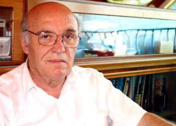 PD injoron vendosjen e bustit të Pjetër Arbnorit në Tiranë