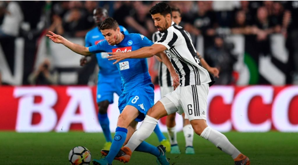 Napoli bën mrekullinë, fiton ndaj Juventusit dhe rihap kampionatin