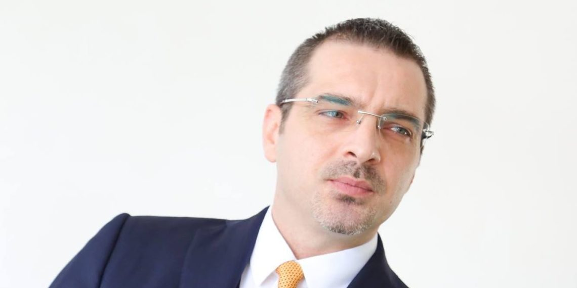The Washington Post: Tahiri rrezikon 15 vite burg