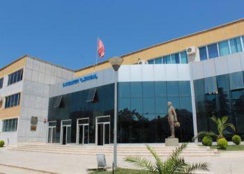 Arrestohen dekani dhe dy pedagogë në Elbasan, merrnin lekë në këmbim të notës