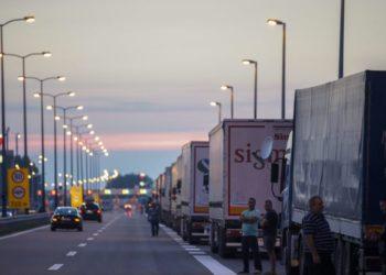 Kosova heq barrierat kufitare me Shqipërinë
