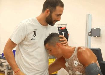 Lojtarët e Juventusit takojnë Ronaldon, shiko çfarë bëri Higuain (VIDEO)