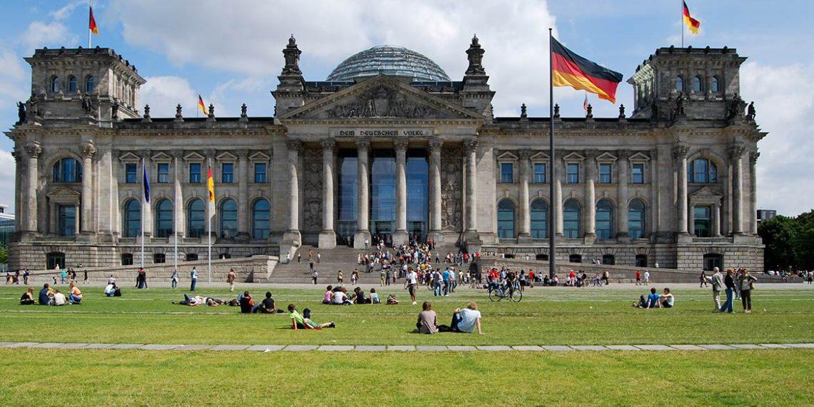 Gjermania me ligj te ri emigrimi, kërkohen punonjës të kualifikuar