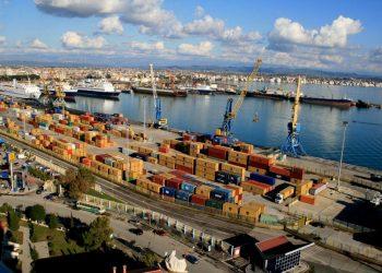 Kapen mijëra paund të fshehur në portin e Durrësit