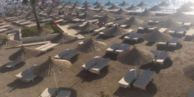 Gazetarja shqiptare: Sjellja e keqe me kosovarët po i zbraz plazhet shqiptare