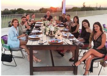 """""""E merituat"""" Ronaldo la bakshin e vitit në restorantin grek"""