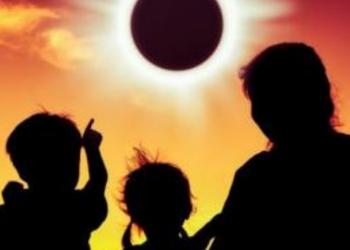 Eklipsi më i gjatë hënor i shekullit, ja data kur pritet të ndodhë
