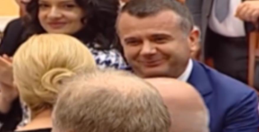 Taulant Balla i shkel syrin presidentes të Kroacis  reagon ashpër PD