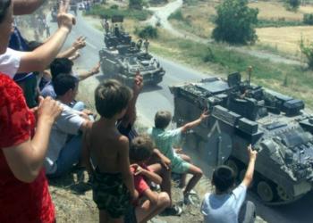 Reagon NATO pas komenteve të Trump: Askush nuk guxon ta prekë Shqipërinë dhe Malin e Zi