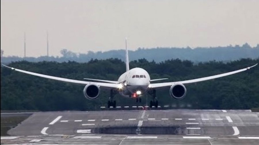 Tmerr në avionin me shqiptarë nisur nga Rinasi për Milano  ulje emergjente në Sanzio
