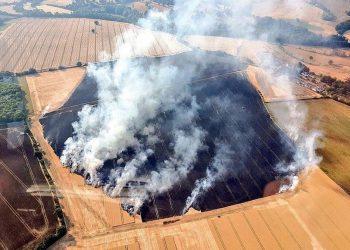 Britania e Madhe kaplohet nga zjarri (FOTO)