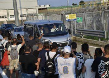 Ronaldo zbarkon në Torino, ja si duket pas pushimeve (FOTO)