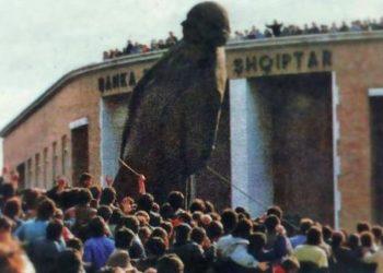 Ku ka përfunduar statuja gjigande nga bronzi e Enver Hoxhës që u rrëzua? (FOTO)