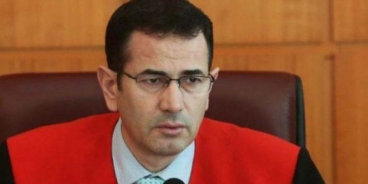 """E papritur! Ndërkombëtarët kërkojnë """"kokën"""" e kryetarit të gjykatës Kushtetuese shqiptare"""
