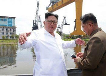 """Kim Jong-u """"i shokuar"""", vonesa e mangësi gjatë inspektimit"""