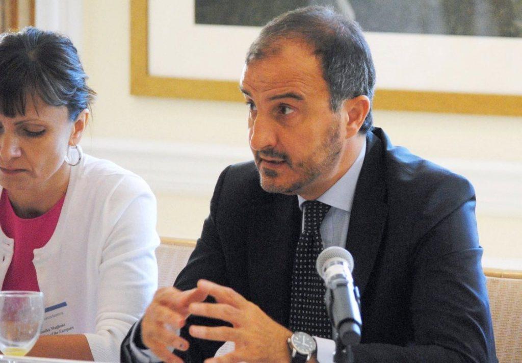 Emërohet zyrtarisht  ky është ambasadori i ri i BE së në Tiranë