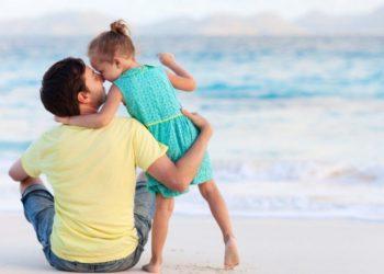 Letra prekëse e babait që do t'ju përlotë: Pse qava kur lindi vajzë