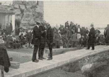 Kur Ministria e Jashtme e Shqipërisë ndodhej në një kompleks me çadra