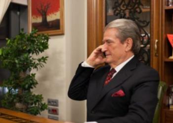 Berisha tregon: Ja si Enver Hoxha ua dha Kosovën serbëve