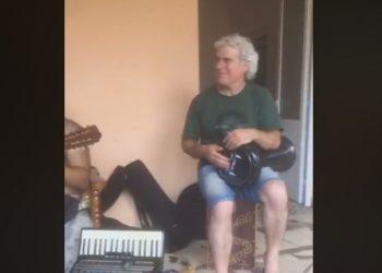 E bujshme, arbreshët e Italisë duke luajtur muzikë matjane (VIDEO)