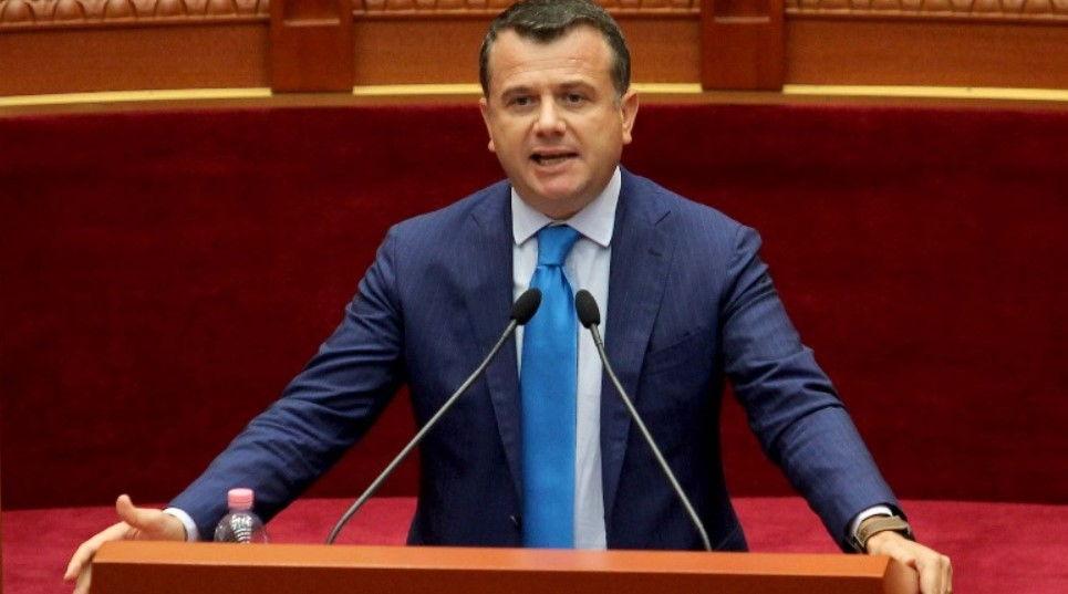 Balla thirrje Bashës nga Kuvendi  Dil të tregosh se cilët janë oligarkët që të paguajnë 2 miliard lekë në vit