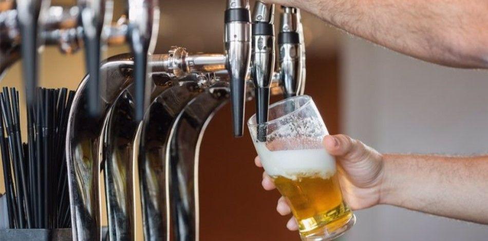 Studimi: Shqipëria, vendi me birrën më të lirë, ja si ndikon në turizëm