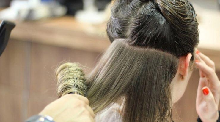 Floktari më i mirë në botë jep shpjegime: Këto mite për flokët duhet t'i harrojmë