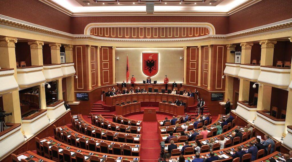 Kuvendi miraton ligjin për ish-të përndjekurit, ja ndryshimet