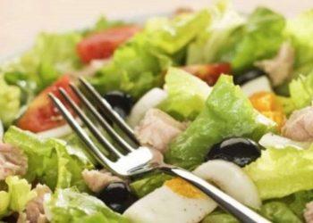 Vlerat ushqyese të sallatës jeshile dhe pse duhet ta konsumoni atë përditë