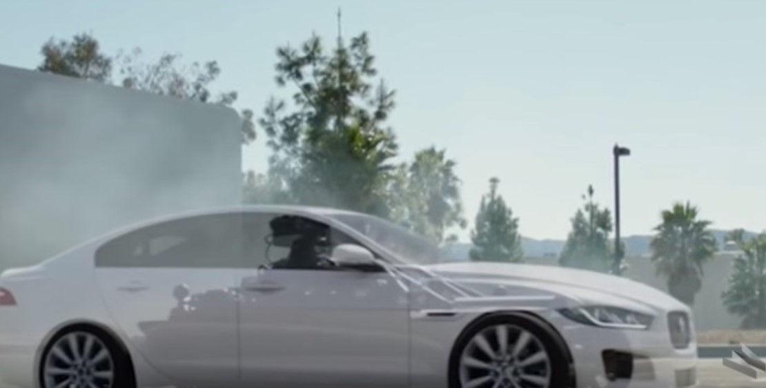 'Zogu i zi' që transformohet në cilëndo makinë që dëshironi! E pabesueshme, por e vërtetë (VIDEO)