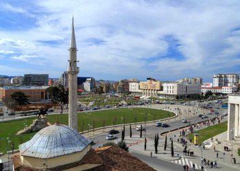 Tirana e treta me kosto më të shtrenjtë jetese në rajon (FOTO)