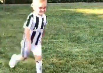 Bëmë baba të të ngjaj, Rama nxjerr Zahon në stërvitje, i vesh fanellën e Juventusit (VIDEO)
