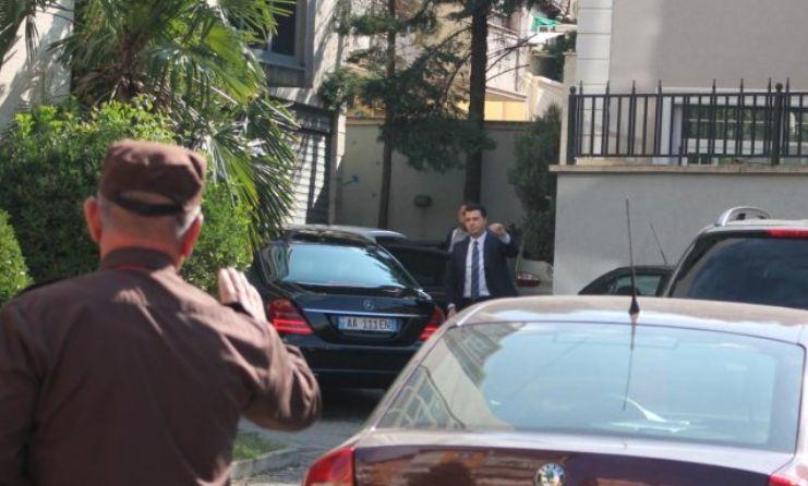 """Akuzat ndaj Ballës për """"Toyota Yaris"""", Basha: Janë dhe 2 deputetë të tjerë"""