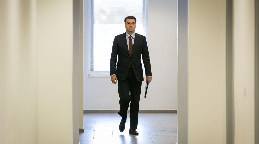 Tjetër hetim për Bashën, akuza: Nxori sekretin dhe vuri në rrezik policinë