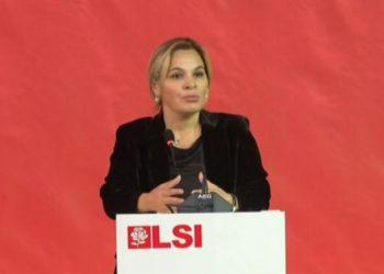 Kryemadhi nga Berati: Kur të shkoni në bllok, vishni antiplumba (VIDEO)