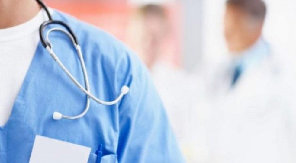 """I tregtojnë të dhënat e tyre tek spitalet private! Si po i """"shesin"""" mjekët qytetarët shqiptarë"""