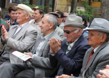 E pabesueshme, a e dinit se 8 200 shqiptarë janë mbi 150 vjeç?