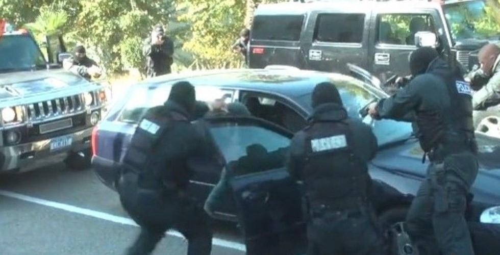 Pengje, tym dhe breshëri armësh: RENEA hidhet në aksion (VIDEO)