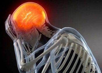 Ja çfarë i ndodh trurit tuaj nëse flini pak