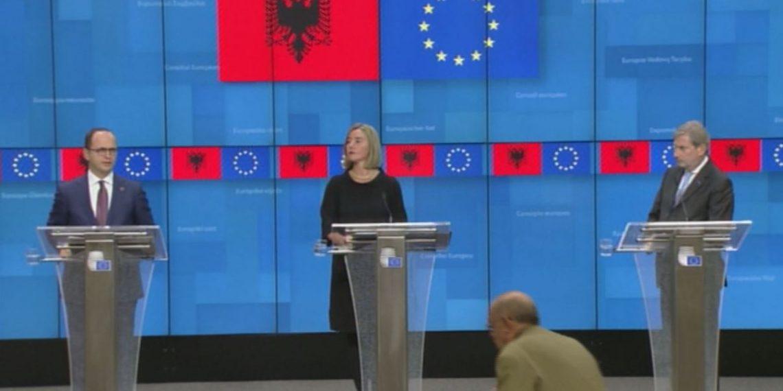 Mesazhi nga Brukseli, Mogherini: Shpresojmë për një vit të mbarë shqiptar në 2019