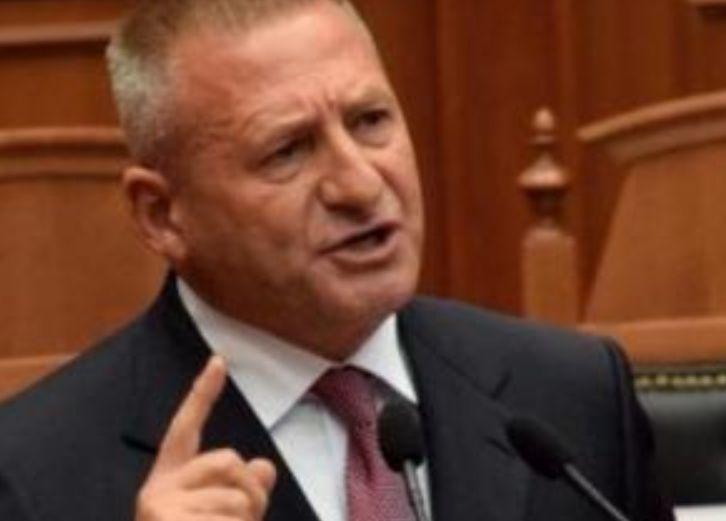 Godet deputeti, ja çfarë thotë për nxjerrjen e Nexhmije Hoxhës nga banesa