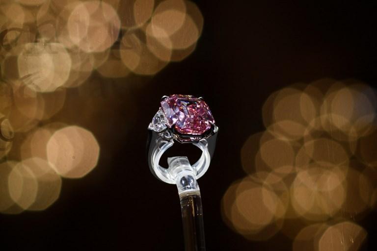 Shitet diamanti i rrallë me gurin e çmuar rozë, ja çmimi stratosferik (VIDEO)