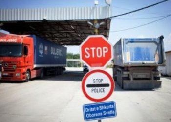 Edhe Shqipëria t'u vendosë 100% taksë produkteve Serbe